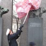 Montage und Demontage historischer Frauenköpfe, Fotocredit Elisabeth Kittl